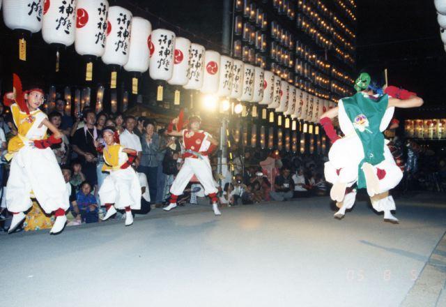2005年 万灯祭奉納演舞 11