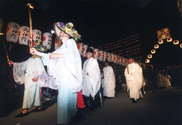 2005年 万灯祭奉納演舞 20