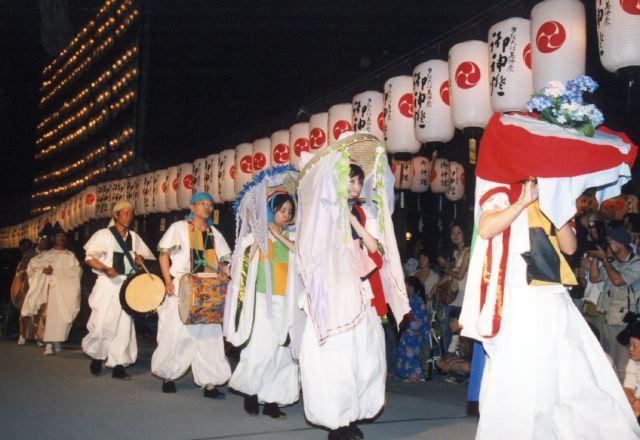 2006年 万灯祭奉納演舞 4