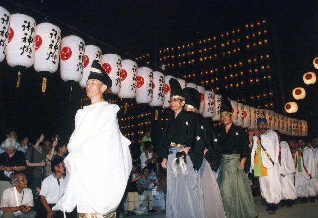 2005年 万灯祭奉納演舞 2