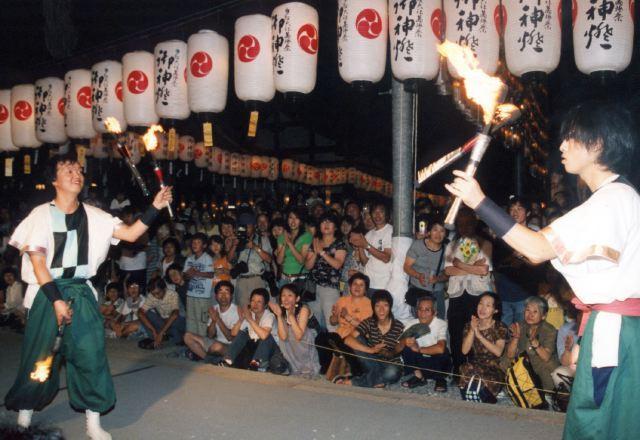 2006年 万灯祭奉納演舞 14