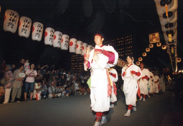 2006年 万灯祭奉納演舞 18