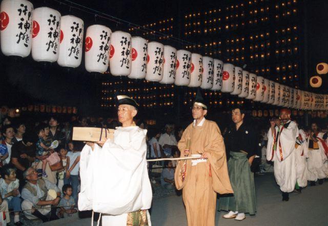 2006年 万灯祭奉納演舞 20