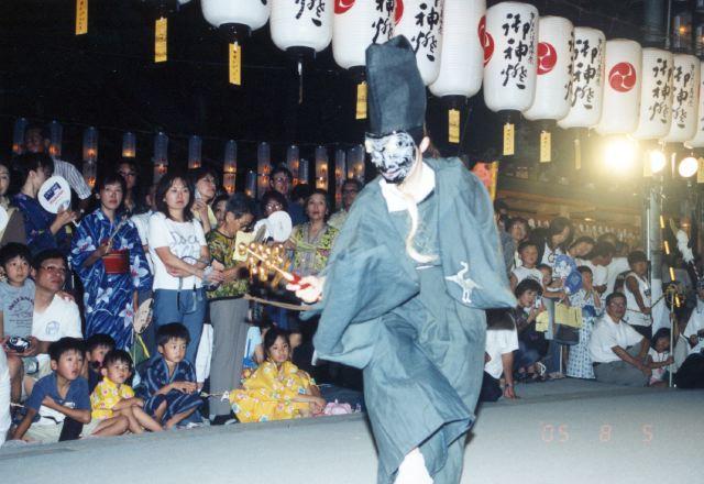 2005年 万灯祭奉納演舞 4
